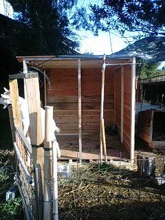 120402小屋作り1.jpg